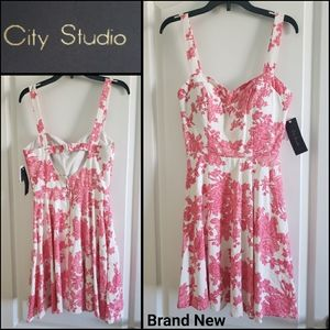 🆕️ CITY STUDIO Floral Dress